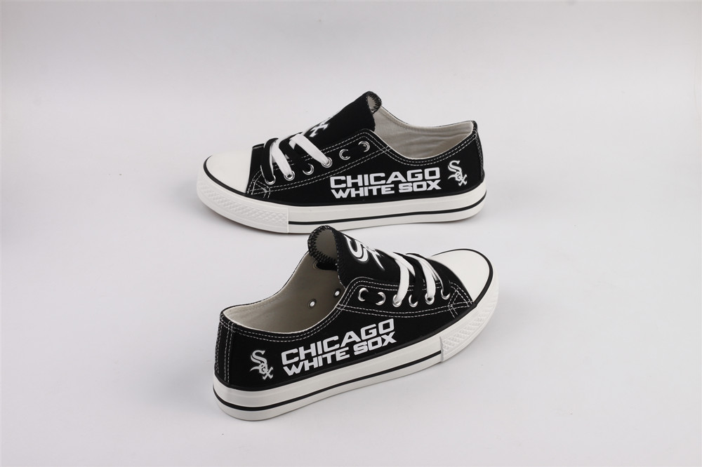 Women's Chicago White Sox Repeat Print Low Top Sneakers 001