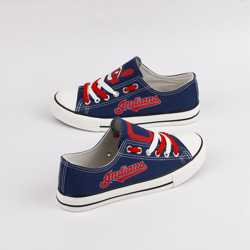 Women's Cleveland Indians Repeat Print Low Top Sneakers 001