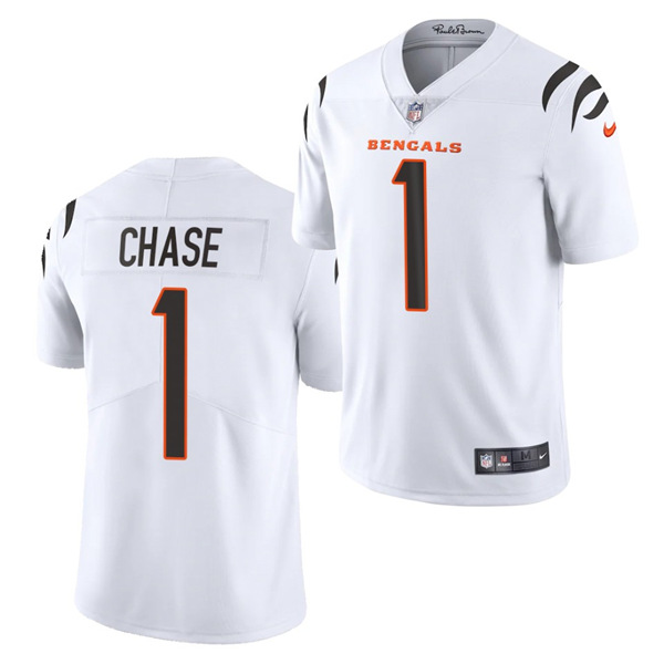 Women's Cincinnati Bengals #1 Ja'Marr Chase 2021 New White Vapor Limited Stitched Jersey(Run Small)